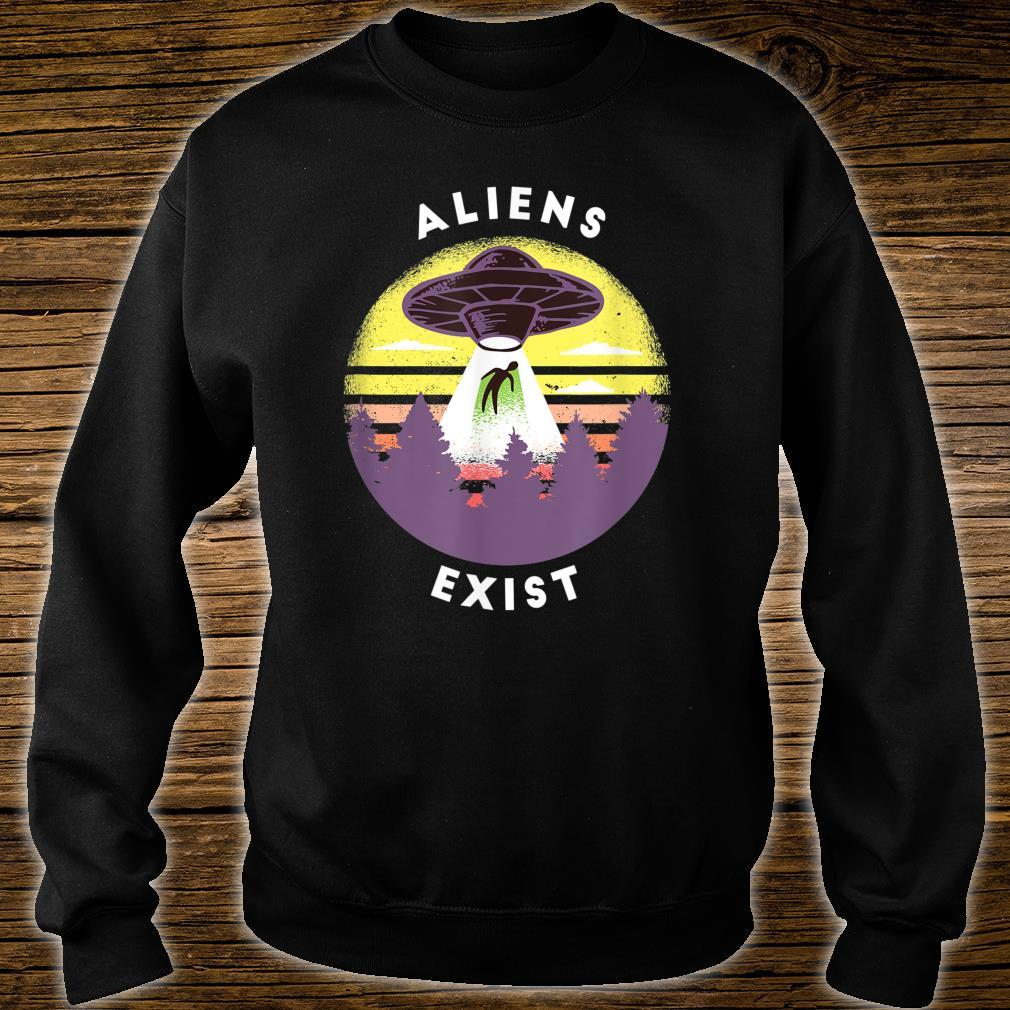 Aliens Exist Shirt sweater